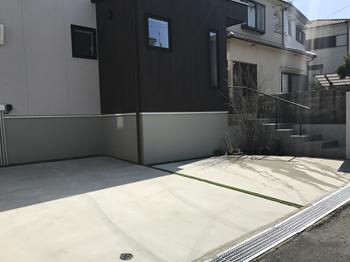 2台並列の場合、幅5.5m×奥行6mが目安です。